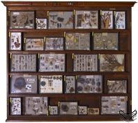Витрины настенные для коллекций древняя золотая монета
